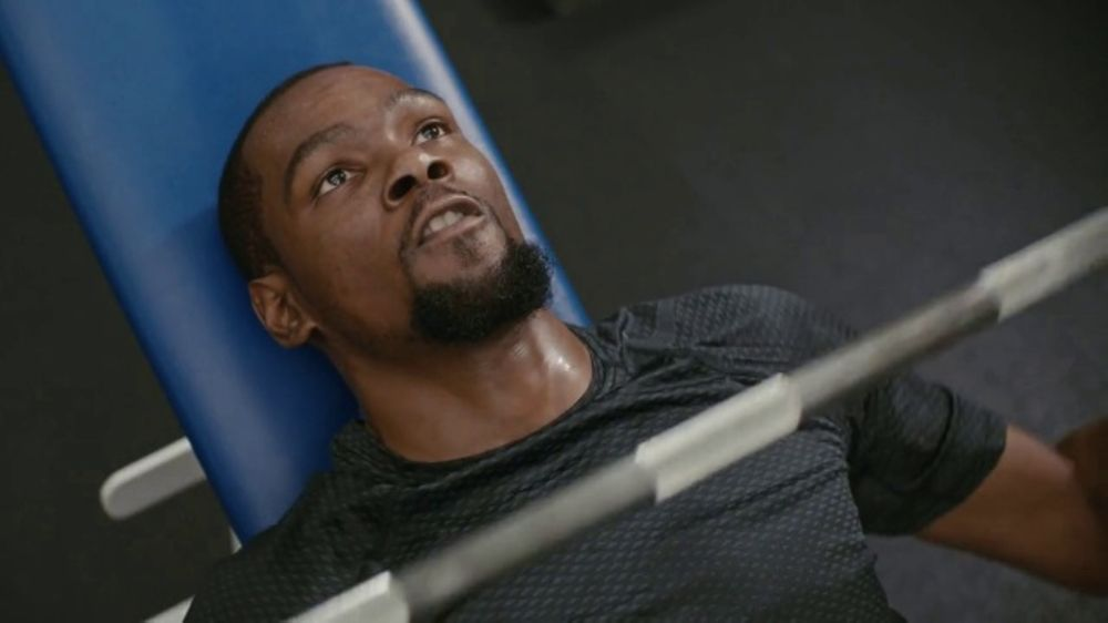 Kevin Durant Bench Pressing